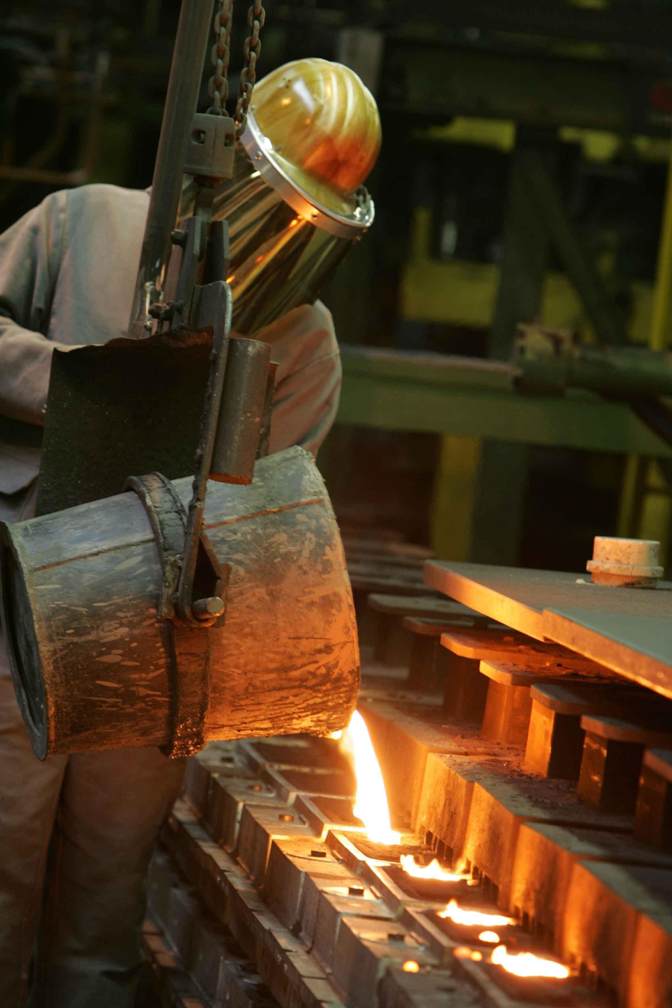kleine Maschinenformerei fertigt Bauteile aus Sphäroguss bis 30 kg Stückgewicht.
