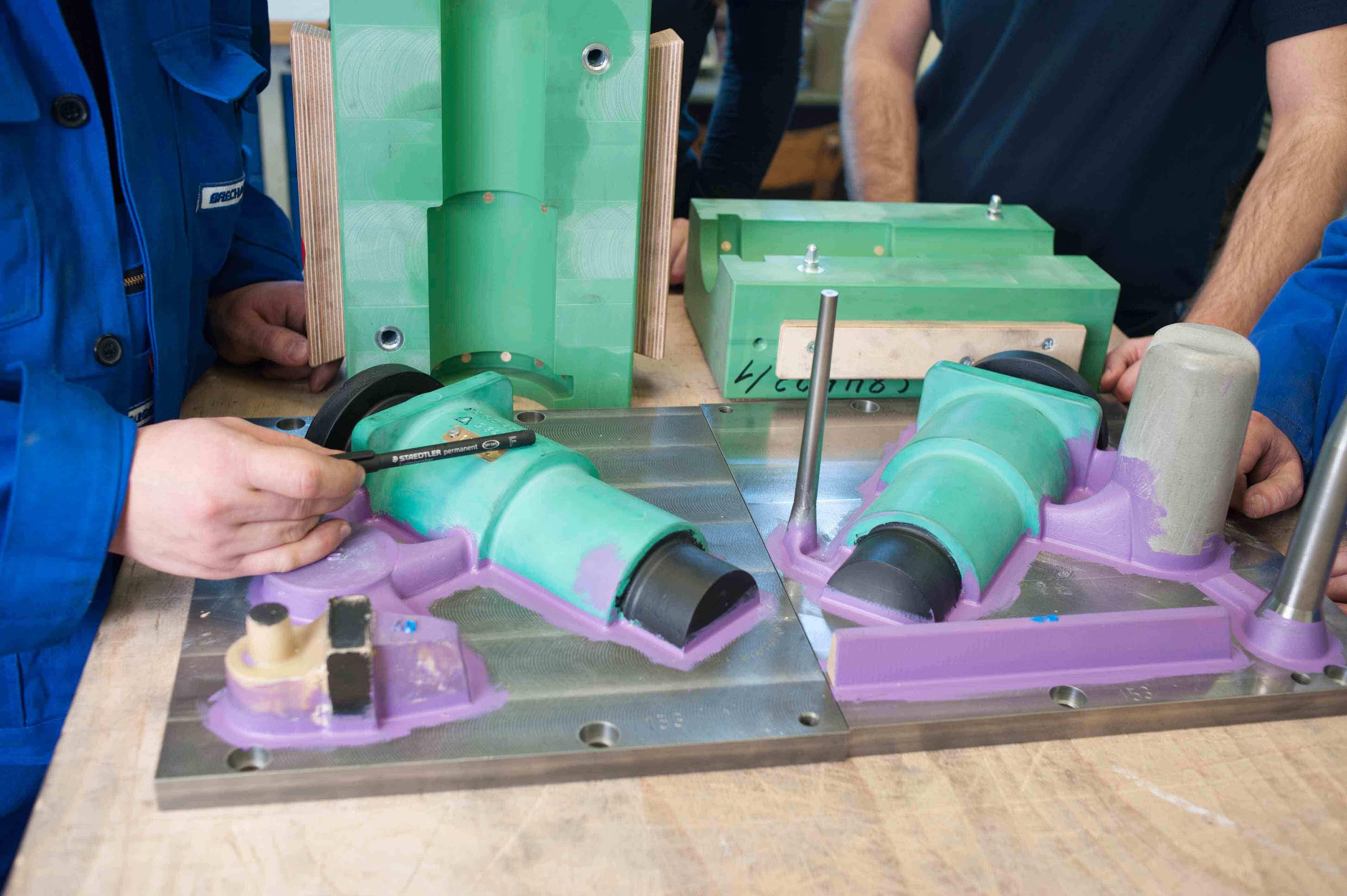 Modellbesprechung von Modell und Kernkasten zur Optimierung verschleißbeanspruchter Radien - Verschleißreduzierung