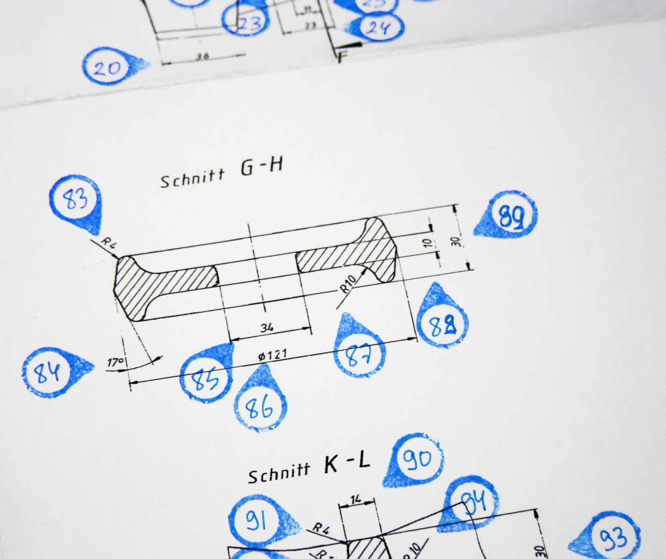 Im Erstmusterprozeß wird im Meßraum an Gussteilen durch taktile Vermessung die der Zeichnungsteile aus Ni-Resist überprüft
