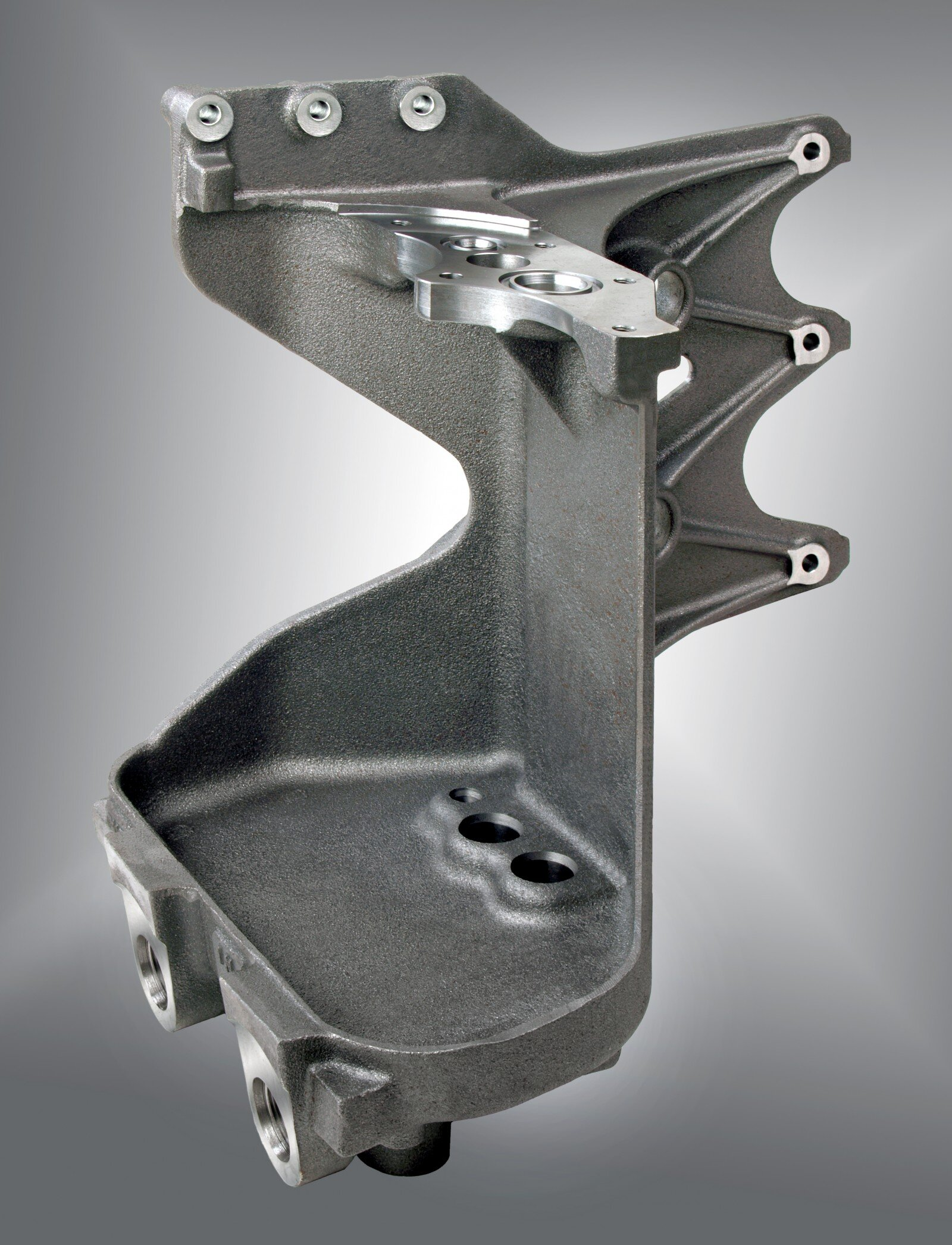 spheroidal cast iron (EN-GJS-400-15) with high nodularity is used in this fixation of a fuel pump for trucks